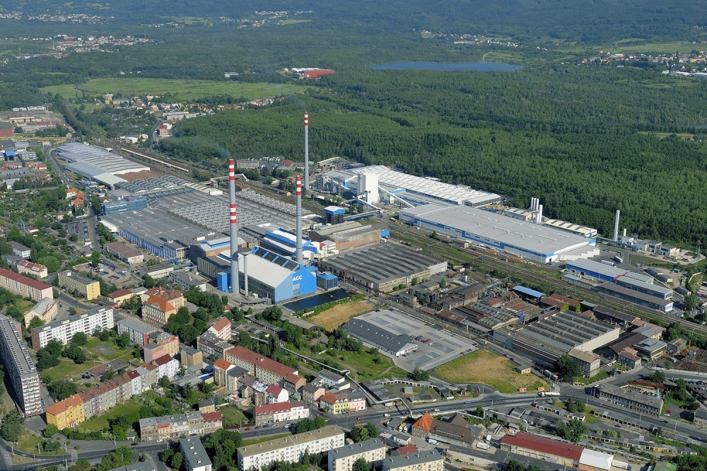 Picture 2: AGC Flat Glass Czech – flat glass producer and the most important employer in Teplice (Source: czechglasscompetence.cz)